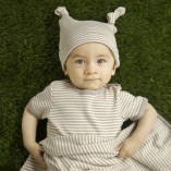 Organic-cotton-babygrow-hat-blanket-Neutral